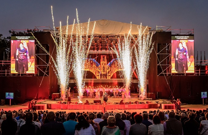 Monumental opera show in Pilsen